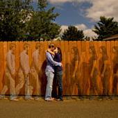 Csókolózó pár