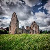 Egy templom romjai