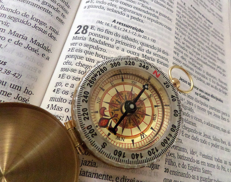 Iránytű a Biblián
